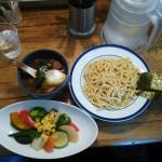 吉祥寺駅からすぐ カレー店「モンタナ」のつけ麺