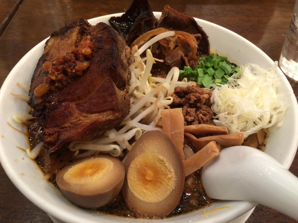大肉担々麺